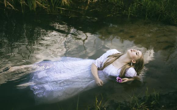 Emilia jako Ofelia